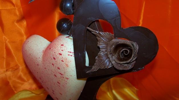 http://patisserie-bastian.com/wp-content/uploads/2015/02/Coeur-Saint-Valentin-628x353.jpg